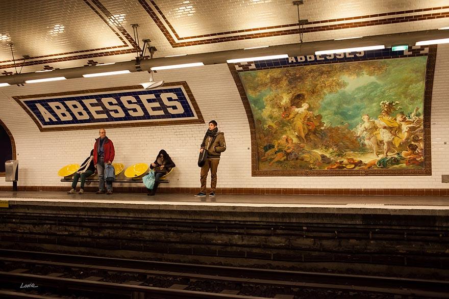 Классическая живопись вместо рекламных плакатов-8