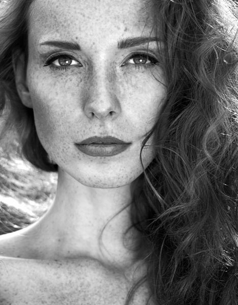 Красивые женские портреты Анны Невревой