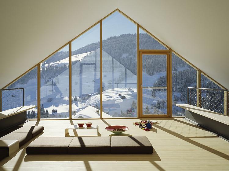 Жилище в высокогорном перевале Паникс от Drexler Guinand Jauslin Architekten