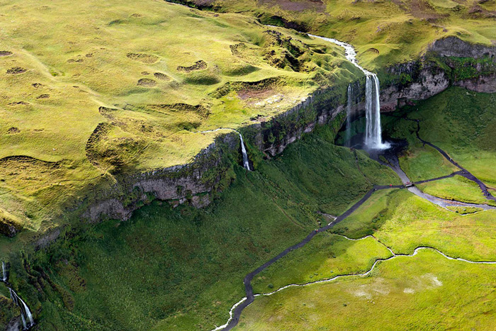 Пейзажи Исландии в аэрофотографиях Сары Мартинет_1