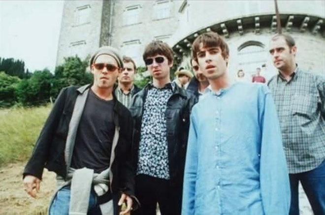 Джонни Депп и британская группа Oasis
