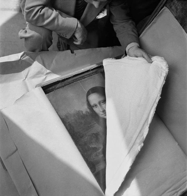 Мона Лиза Да Винчи возвращается в Лувр после Второй мировой войны