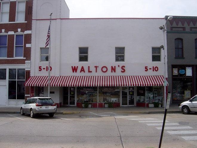 Первый магазин Walmart, который открыли в 1962 году