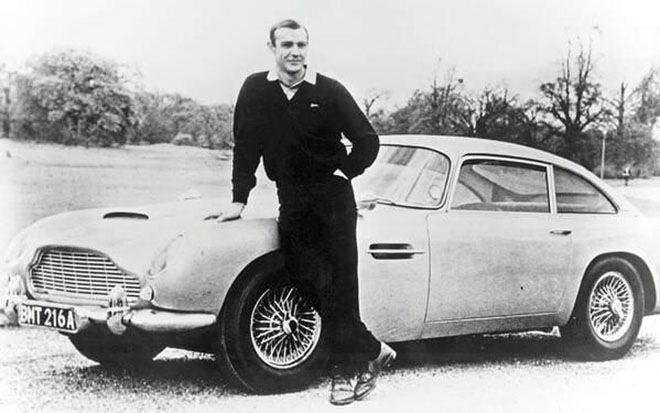 Шон Коннери и Aston Martin Джеймса Бонда в 1965 году