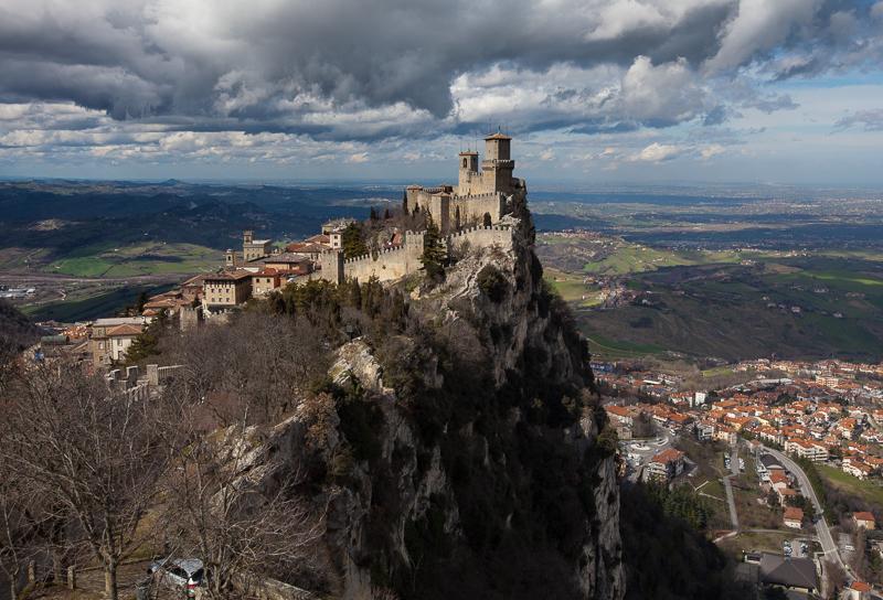 Замок Гуаита в Сан-Марино