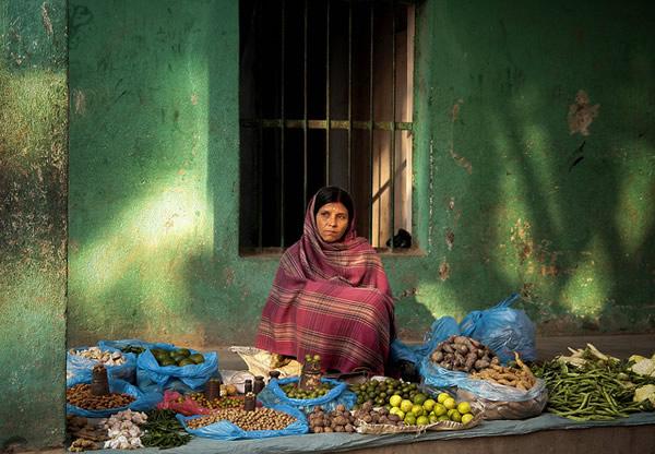 Торговля овощами на рынке Меркато, город Патан