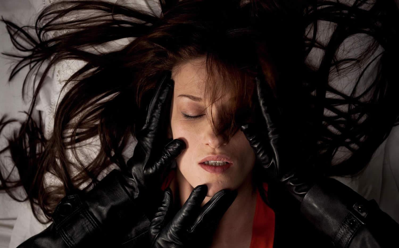 Странный цвет слёз твоего тела / The strange color of tears your body
