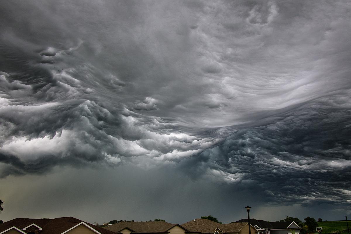 grozovye oblaka kak volny