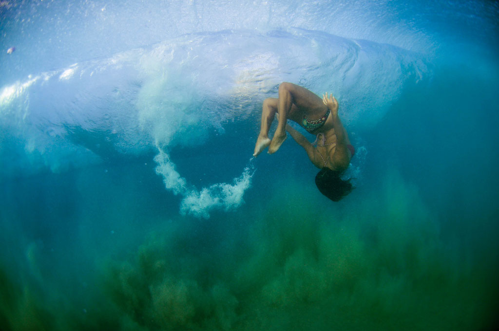 голые на суше и в воде фото