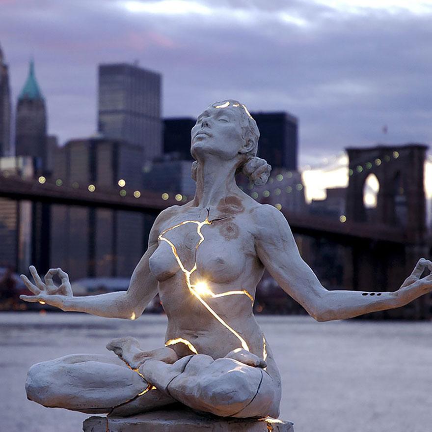 25 самых креативных скульптур и статуй со всего мира-4