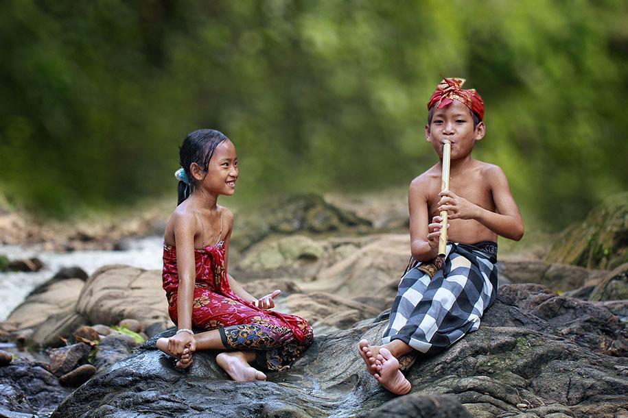 Будни сельских жителей Индонезии в ярких фотографиях-14