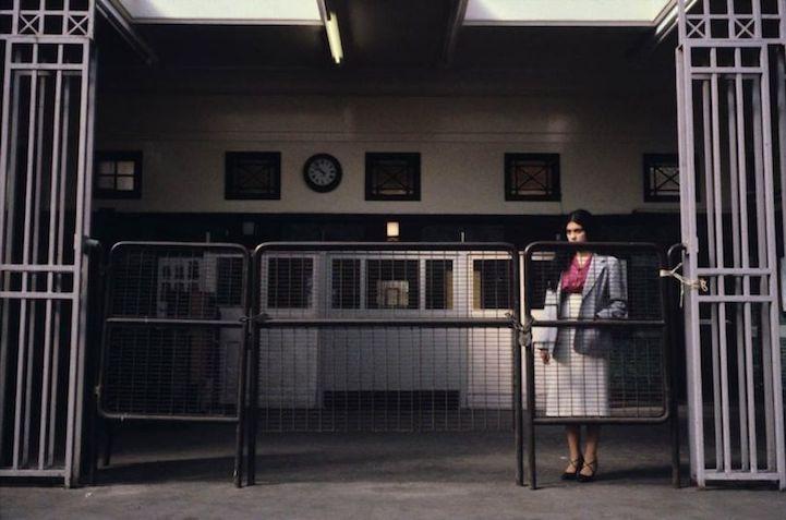 Пассажиры лондонского метро в фотографиях Боба Маззера