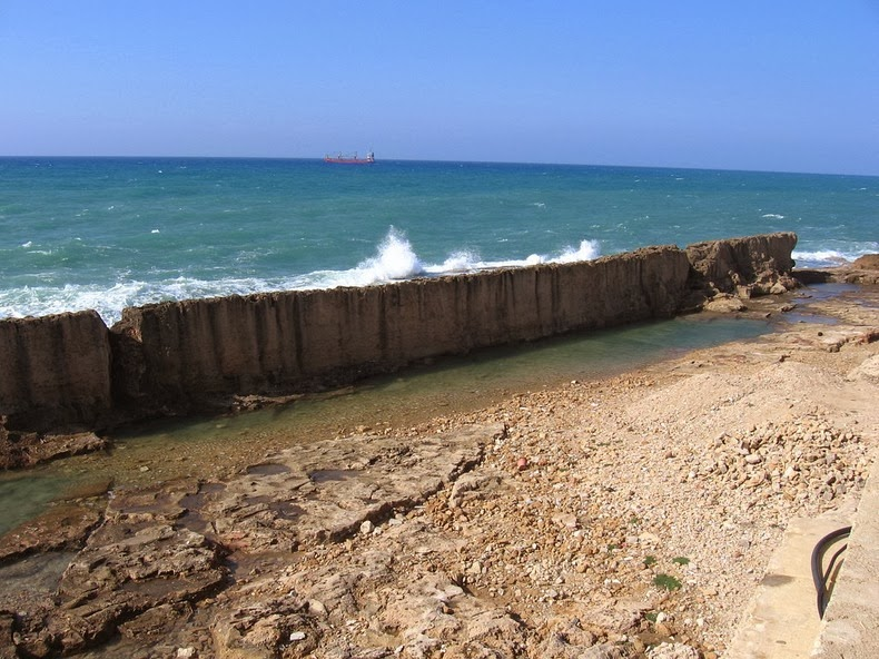 batroun-sea-wall-1