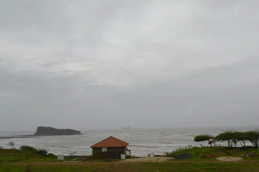 Пляж в штате Гуджарат, Индия
