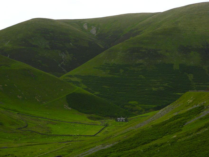 Особняк среди холмов графства Дамфрисшир, Шотландия