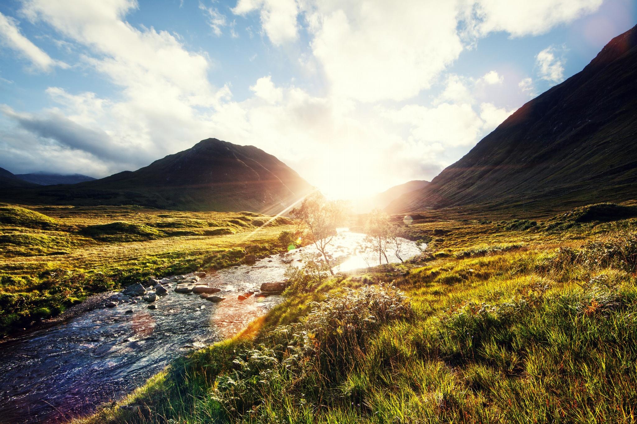 Солнце в шотландской реке