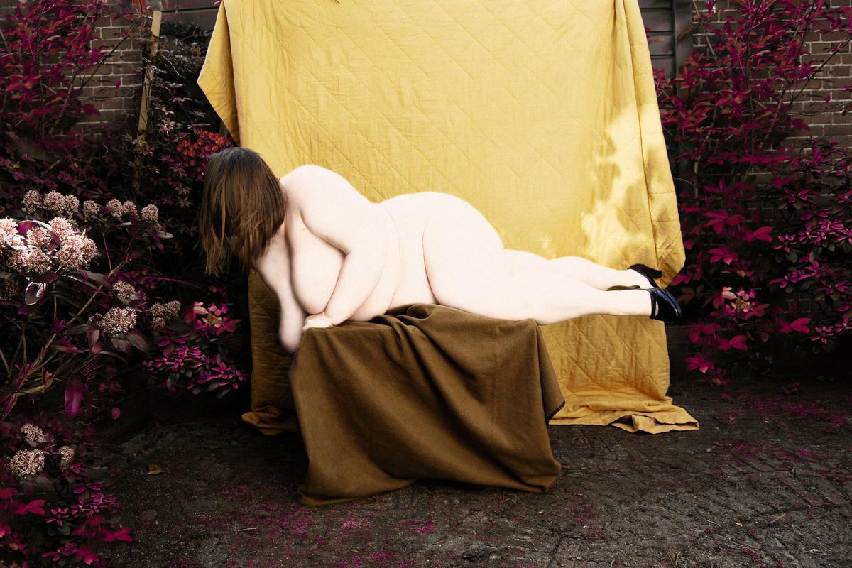Странная эротика: фотосессия ню от Поля Коойкера
