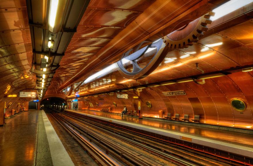 Samye-krasivye-stantsii-metro 17
