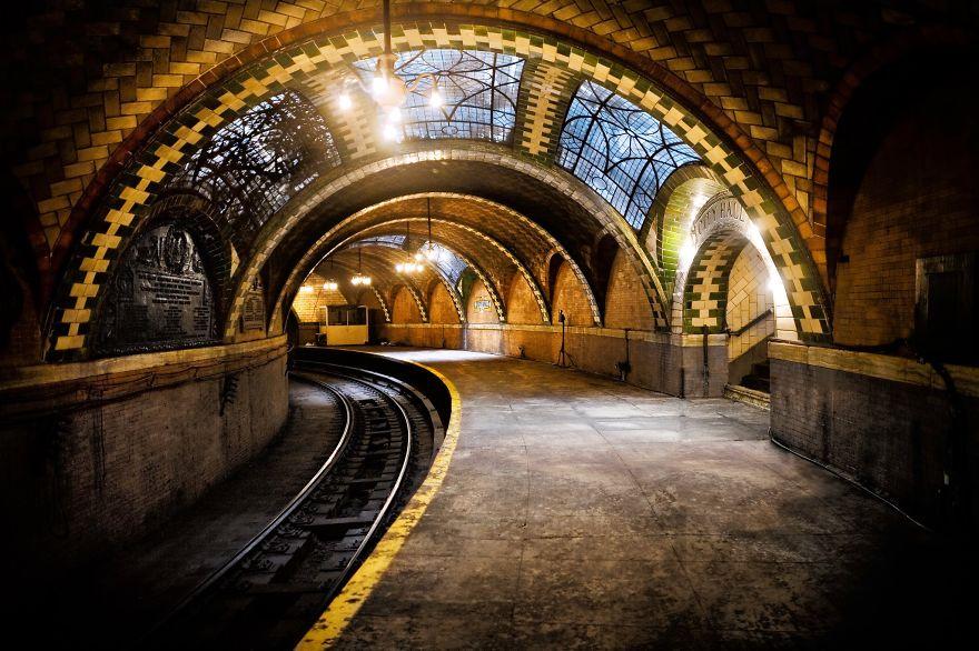 Samye-krasivye-stantsii-metro 25