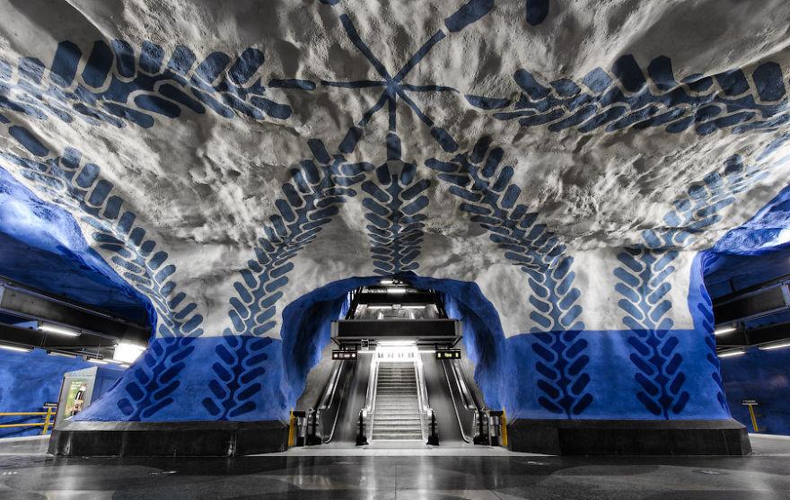 Samye-krasivye-stantsii-metro 27