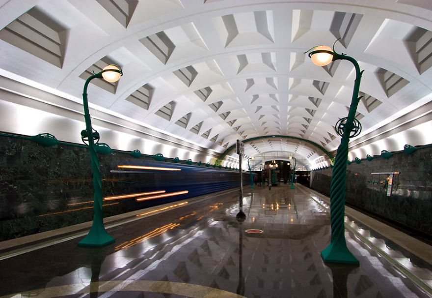 Samye-krasivye-stantsii-metro 33