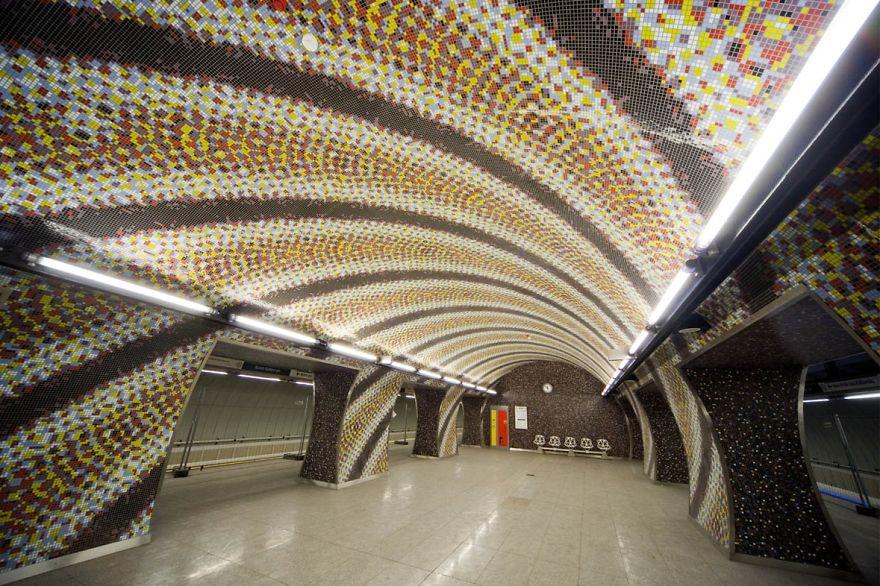 Samye-krasivye-stantsii-metro 44