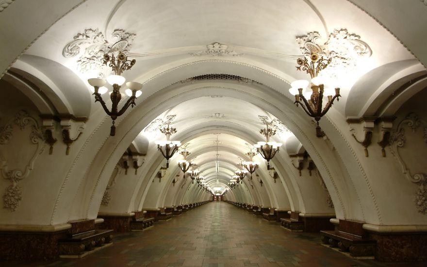 Samye-krasivye-stantsii-metro 58