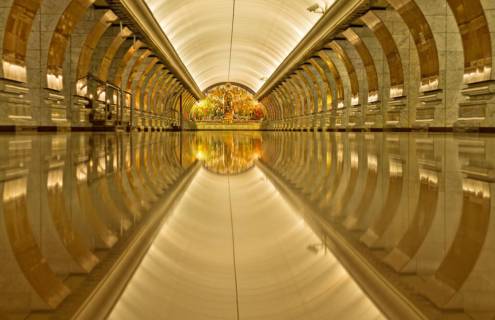 Samye-krasivye-stantsii-metro 6