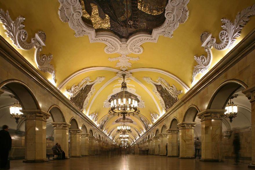 Samye-krasivye-stantsii-metro 8