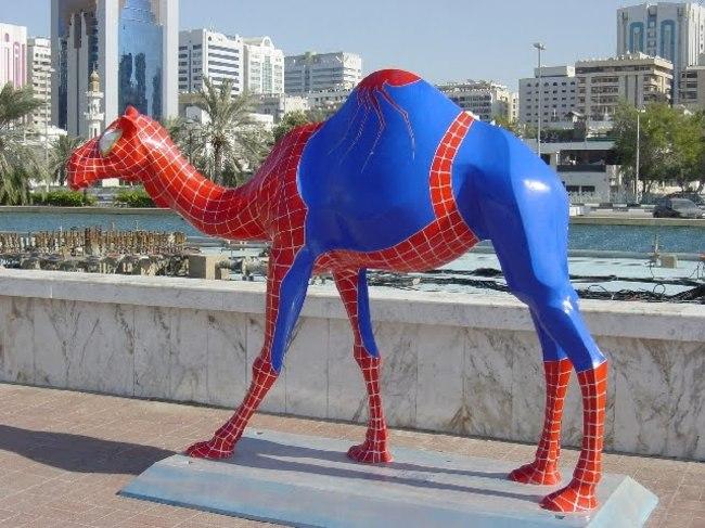 «Спайдер-верблюд» в Абу-Даби.