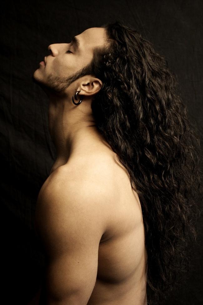 Парни с длинными фиолетовыми волосами - 1