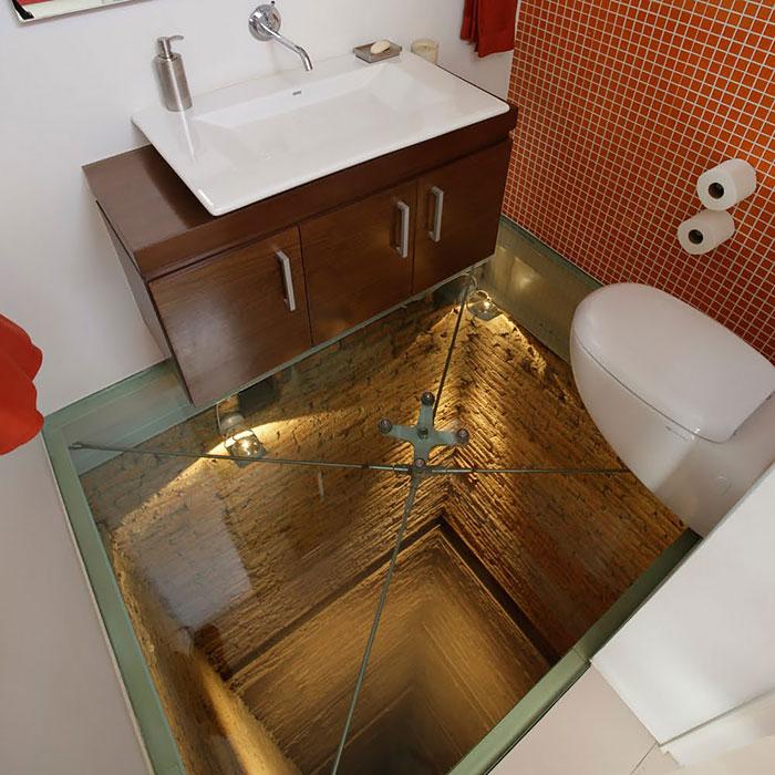 Необычный пол в ванной своими руками 48