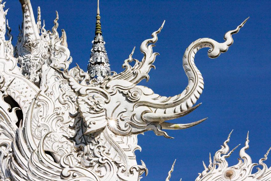 Белый храм в Таиланде-66