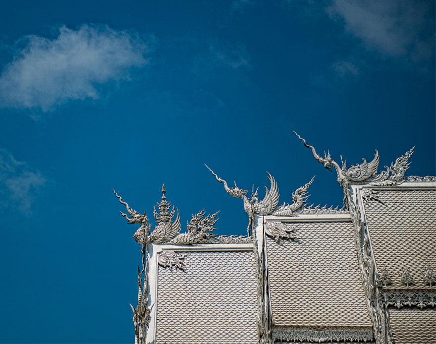 Белый храм в Таиланде-22