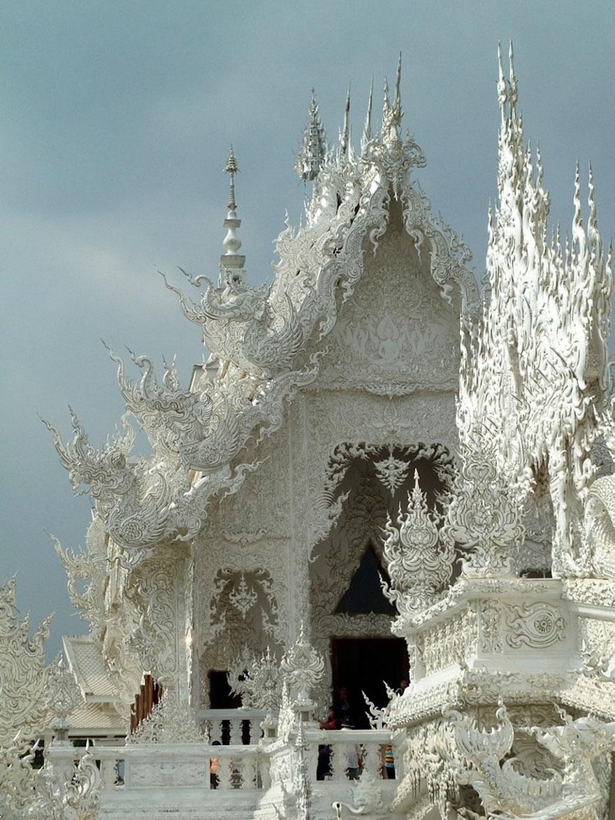 Белый храм в Таиланде-1