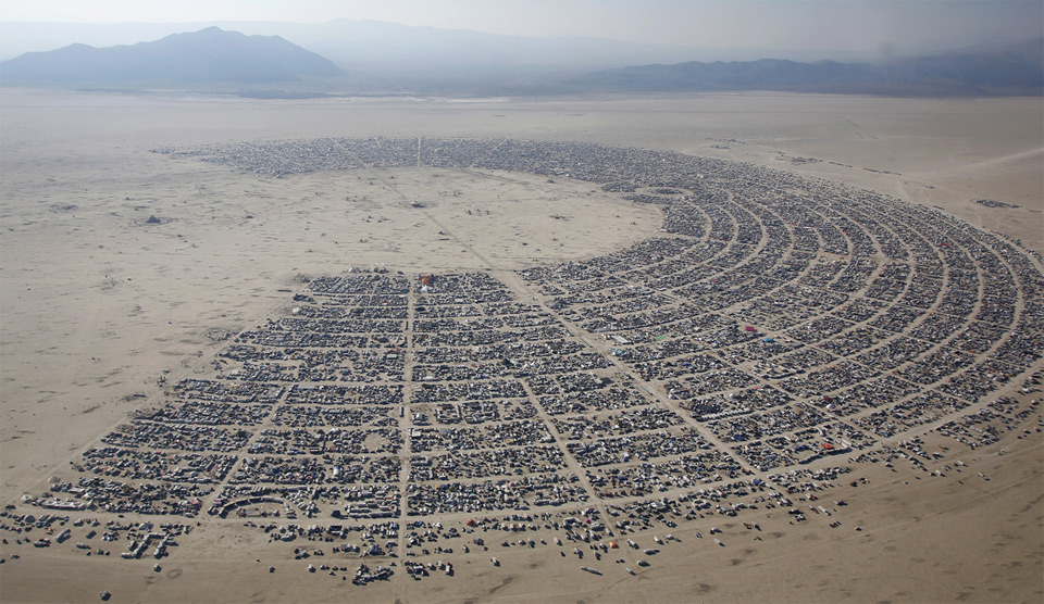 aerial-view-of-the-burning-man-music-festival