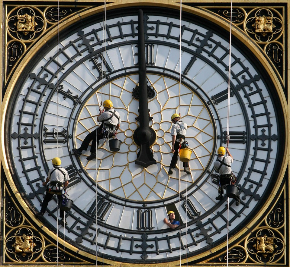 cleaning-big-ben-clock