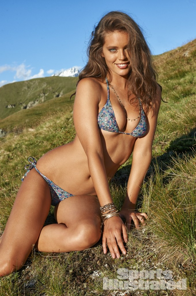 Emily-Didonato-Sports-Illustrated-Swimsuit-2014-6-680x1024