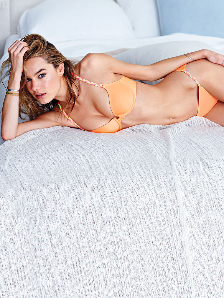 Camille-Rowe-foto 1