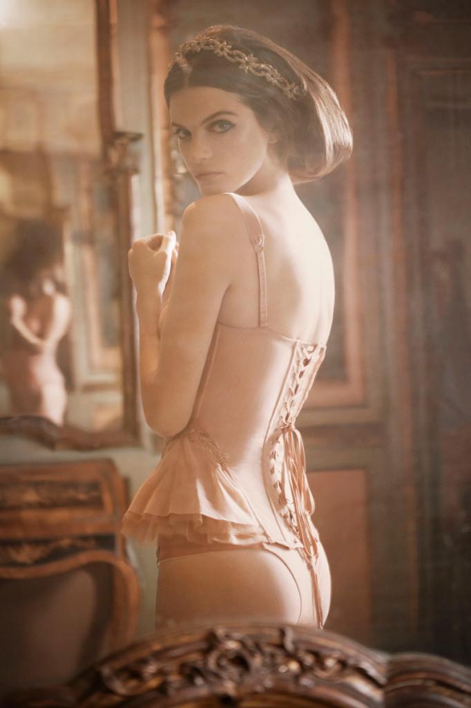 Jeisa-Chiminazzo-la-perla-lingerie-6-682x1024