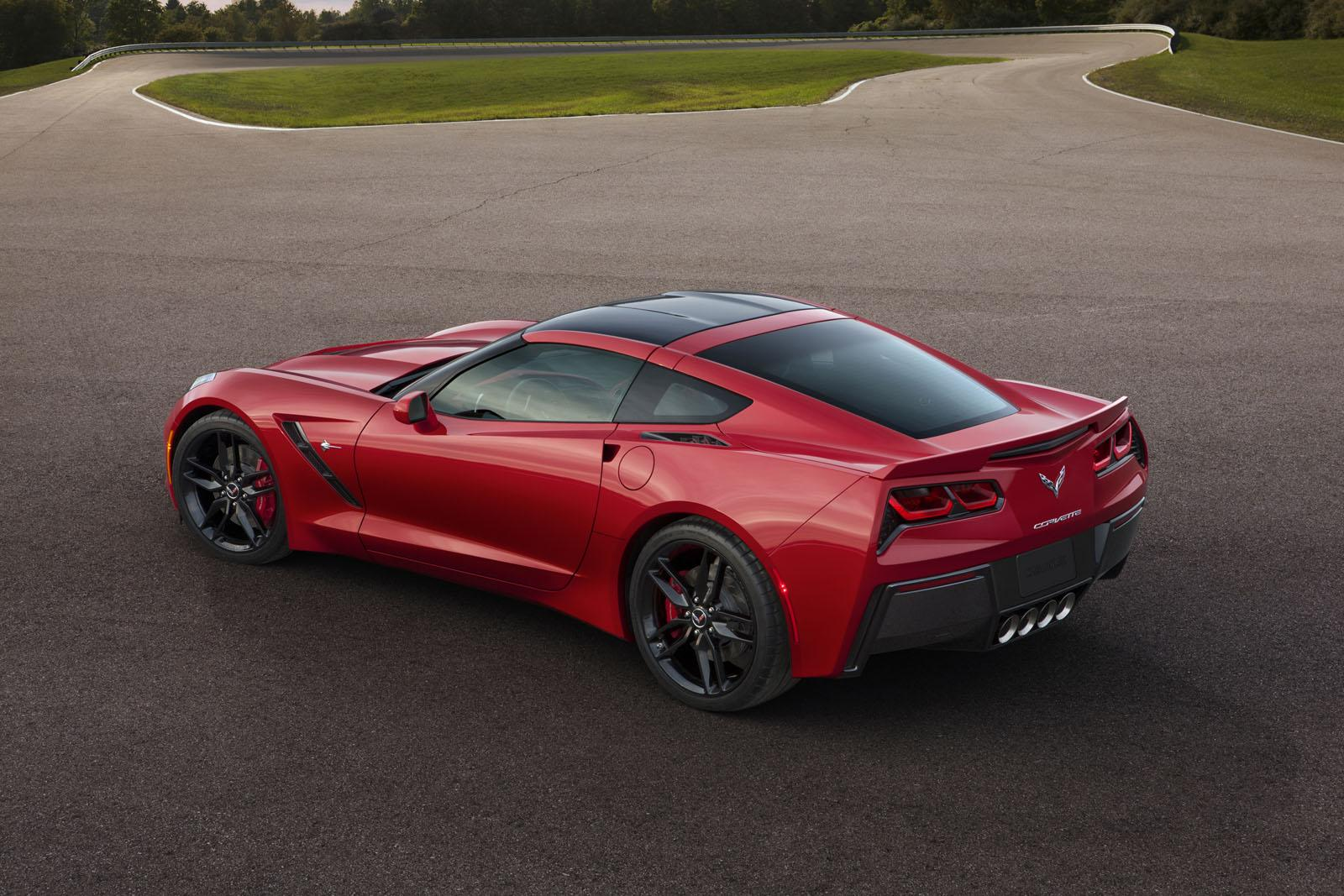 2014-Chevrolet-Corvette-Stingray-C7-2