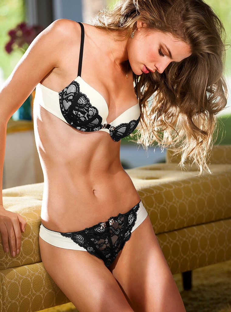 Cameron-Russell-VS-lingerie-6