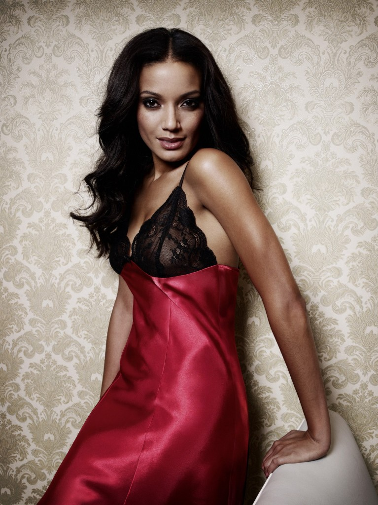 Selita-Ebanks-manor-lingerie-10-767x1024