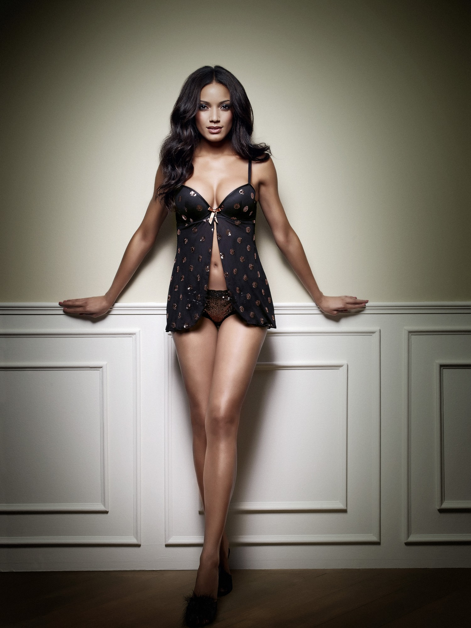 Selita-Ebanks-manor-lingerie-2