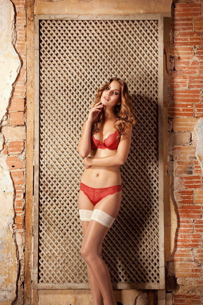 Veronica-Assis-Else-lingerie-12-682x1024