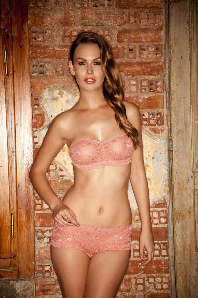 Veronica-Assis-Else-lingerie-8-682x1024