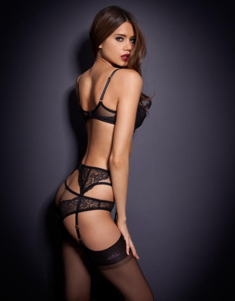 Jacqueline-Oloniceva-Agent-Provocateur-lingerie-11-801x1024