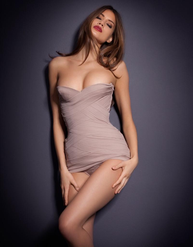 Jacqueline-Oloniceva-Agent-Provocateur-lingerie-5-801x1024