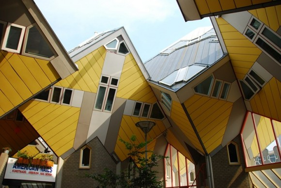 Cubic-Houses-in-Netherlands-580x388