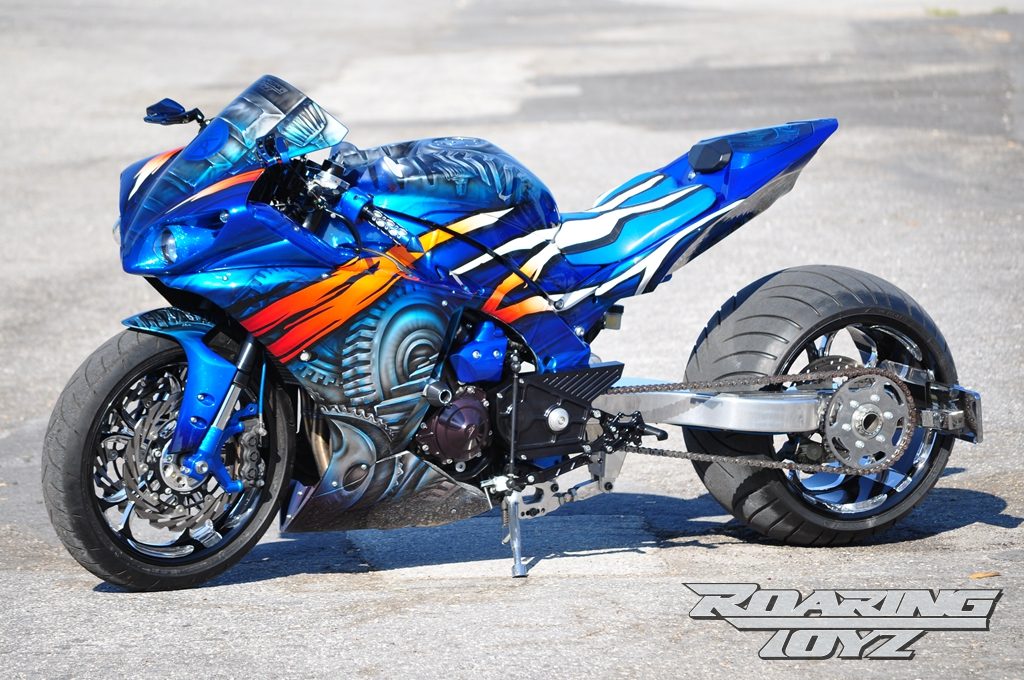roaring-toyz-yamaha-r1-is-roaring-mad-photo-gallery 2